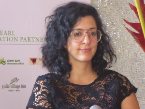 Porochista Khakpour: 'We throw the ball and the reader has to catch it.'
